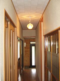 玄関から廊下のリフォーム 施工後